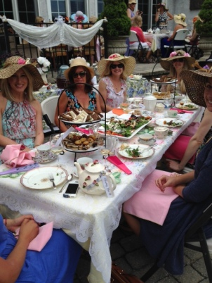The Ladies Who Lunched